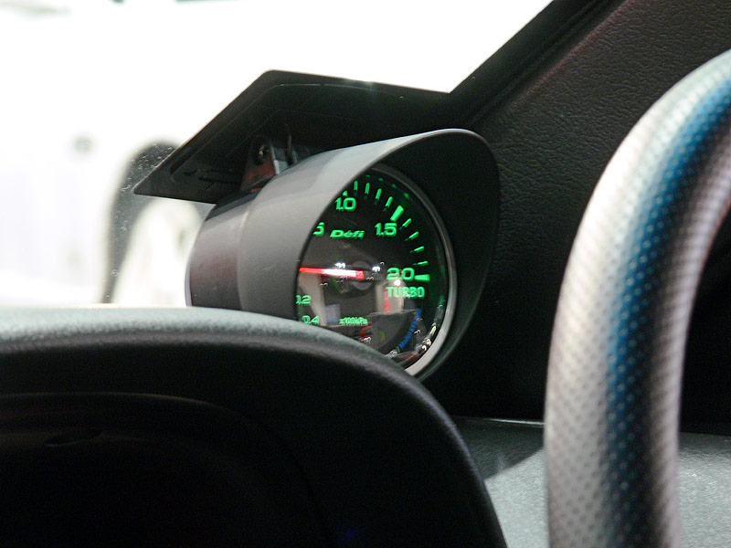 Defi-Link Boost Gauge mounted on Windscreen